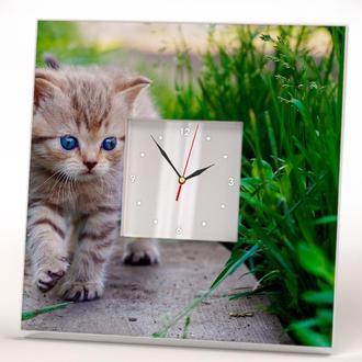 """Настенные часы """"Котенок с голубыми глазами"""""""
