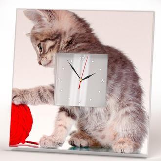"""Оригінальні настінні годинники """"Кошеня і клубок ниток"""""""