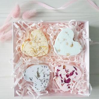 Подарочный набор натуральной косметики для ванны - бомбочки шипучки с лепестками цветов
