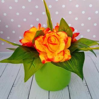 Чашка с букетом роз