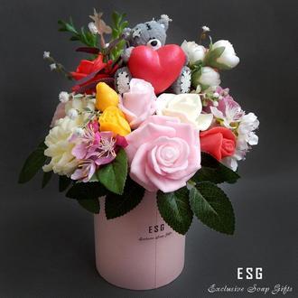 """Букет цветов из мыла  """"Мишка с сердцем в розах"""""""