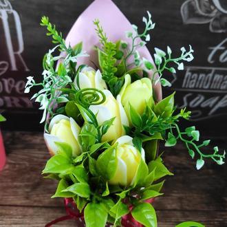 Весенний букет из 5 тюльпанов