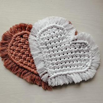 Подставка под горячее сердце макраме