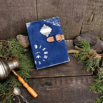 Кулинарная книга в обложке из натуральной замши