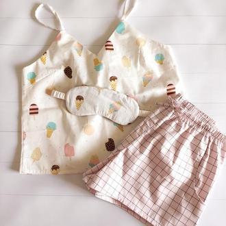 Женская пижама с майкой и розовыми шортами в клеточку (маска для сна в подарок)