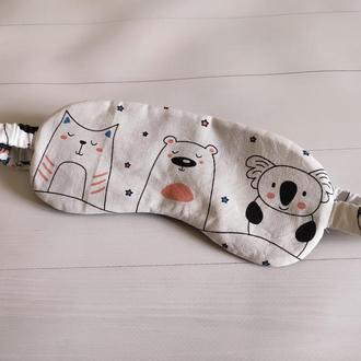Маска для сна на резинке с зверюшками на белом