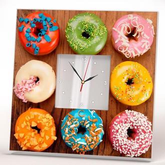 """Авторские часы с фото """"Разноцветные пончики"""" для кухни"""