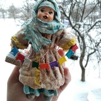 Ватная  елочная игрушка Девочка Дашенька с подарком
