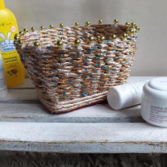 Плетеная корзинка органайзер