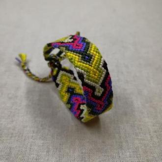 Яркий браслет фенечка гейзер