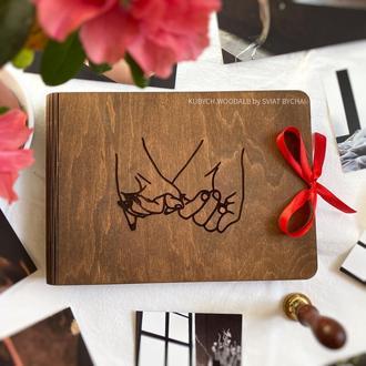 Деревянный фотоальбом с картонными листами | подарок на день влюбленных для девушки и парня