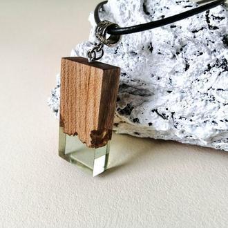 Прозрачный кулон, деревянный кулон и эпоксидная смола, подарок девушке