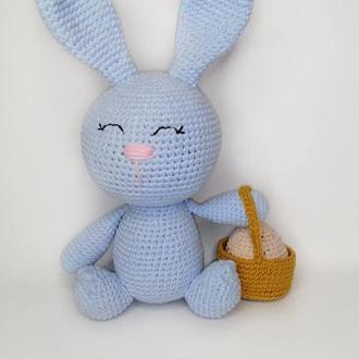 Зайка пасхальный. Кролик вязаный.Сувенир на Пасху.