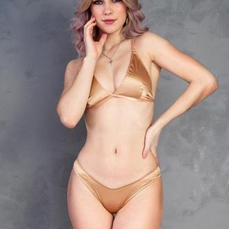 Комплект белья золотого цвета Stella