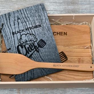 Набор для кухни. Деревянный блокнот, разделочная доска фартук и лопатка.