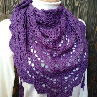 Фиолетовый вязаный бактус. Ажурная мини-шаль