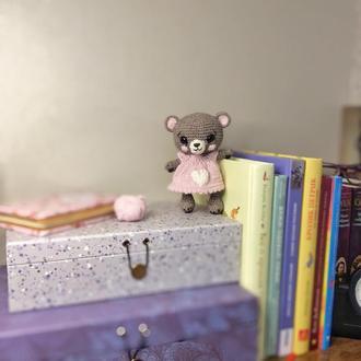 Игрушка Мишка в платье с сердечком