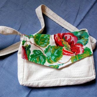легкая льняная сумочка с вышивкой