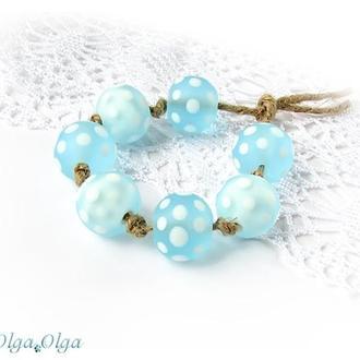 Бусины лемпворк «Горохи белые на голубом»
