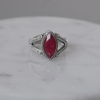 Серебряное кольцо с корундом - рубином винтаж