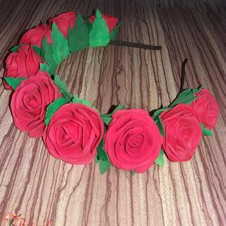 Веночек с большими розами