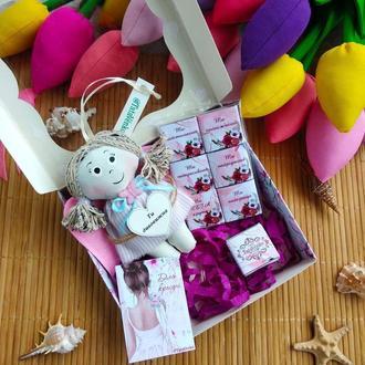 Подарунковий набір для дівчини. Шоколад с побажаннями.