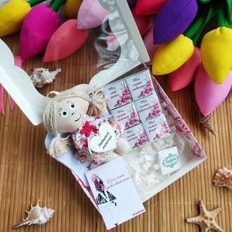 Подарочный набор для Мамы на 8 марта. Шоколад с пожеланиями.