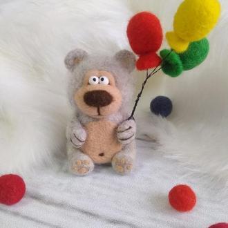 Валяный мишка  с шариками