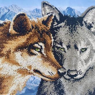 """картина """"пара волков"""" вышита чешским бисером"""
