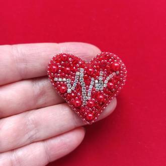 прекрасная брошь  Сердце с кардиограммой для кардиолога терапевта ревматолога