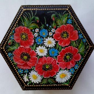 """Шкатулка шестигранная  """"Весна"""" с ручной росписью для украшений."""
