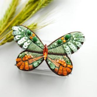 Брошь из бисера и бусин Бабочка