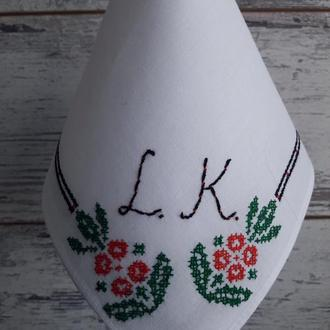 Платочек с инициалами в украинском стиле