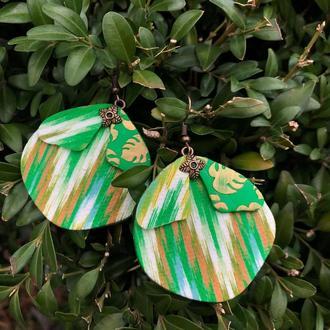 Весенние зеленые серьги-бабочки