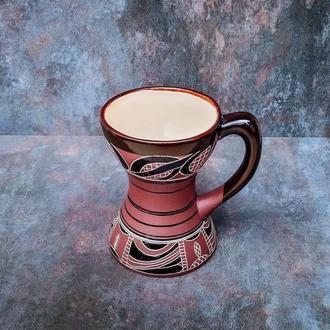 Глиняний кухоль в трипільському стилі