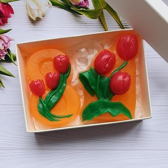 Набор мыла  тюльпаны в подарочной белой коробке с фигурным окном. Подарки к 8 марта.