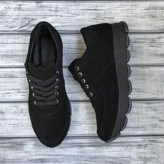 Чёрные замшевые кроссовки