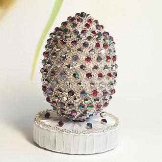 Белое эксклюзивное яйцо из бисера с подставкой, Лучший подарок на Пасху