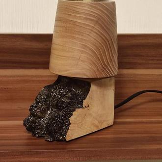 Лампа настольная из капа клена