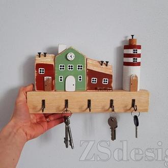 "Ключница для дома ""Городок у моря"""