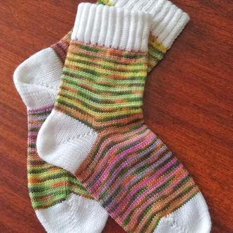 Вязаные носки из носочной шерсти