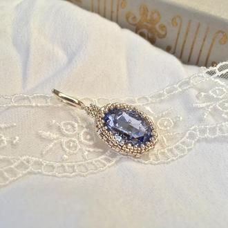 Светло-лиловый серебряный кулон с кристаллом Swarovski и ювелирным бисером