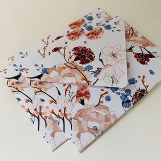 Конверт with flowers patterns