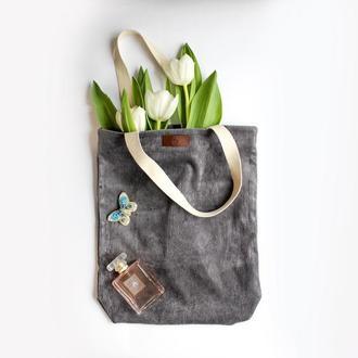 Вельветовая тоут-сумка серая через в стиле casual с подкладкой и карманом