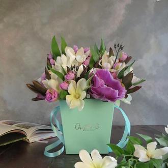 """Букет """"Дикий сад.  Ирис"""" Подарок на 8 марта. Подарок руководителю. Подарок девушке"""