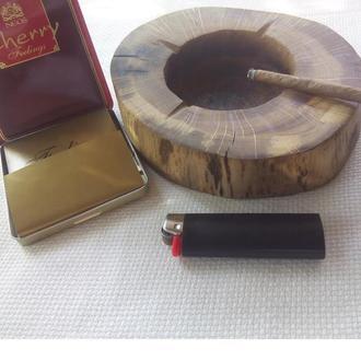 Пепельница из спила дуба