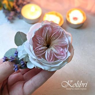 Заколка для волос с цветочной композицией