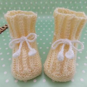В'язані дитячі пінетки, дитячі черевички, вязані пінетки чобітки