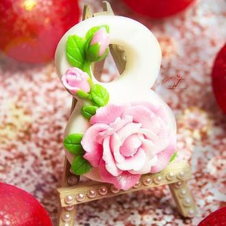 """Мыло """"Восьмерка с розой и бутончиками"""""""