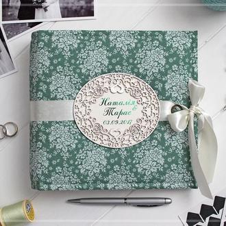 Весільний фотоальбом (з мереживною рамкою)